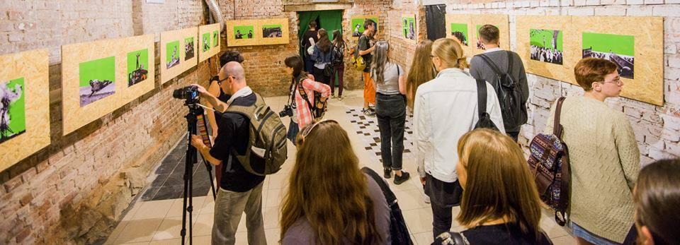 """Экспозиция проекта О.Федоровой """"Хромакей"""" для фестиваля современного искусства NonStopMedia VIII"""
