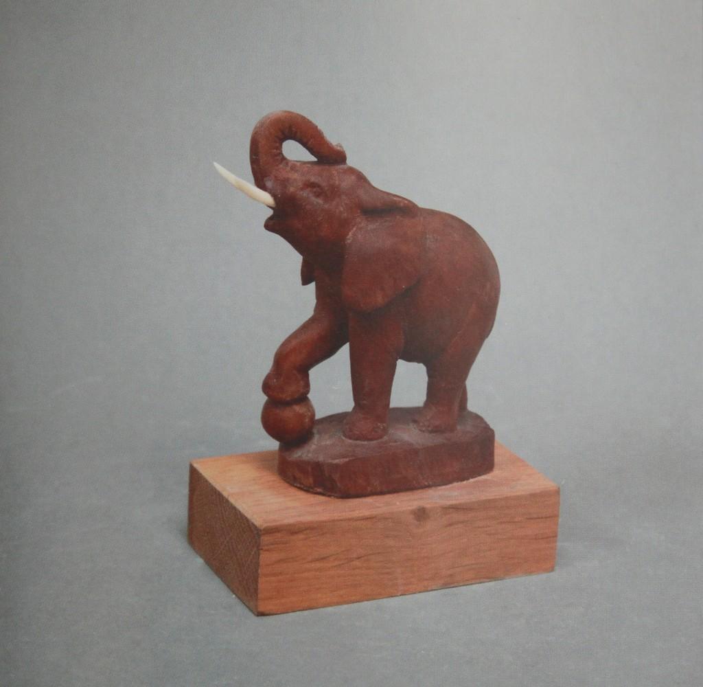 А. Коваль, «Слоник», дерево, 2007 г.