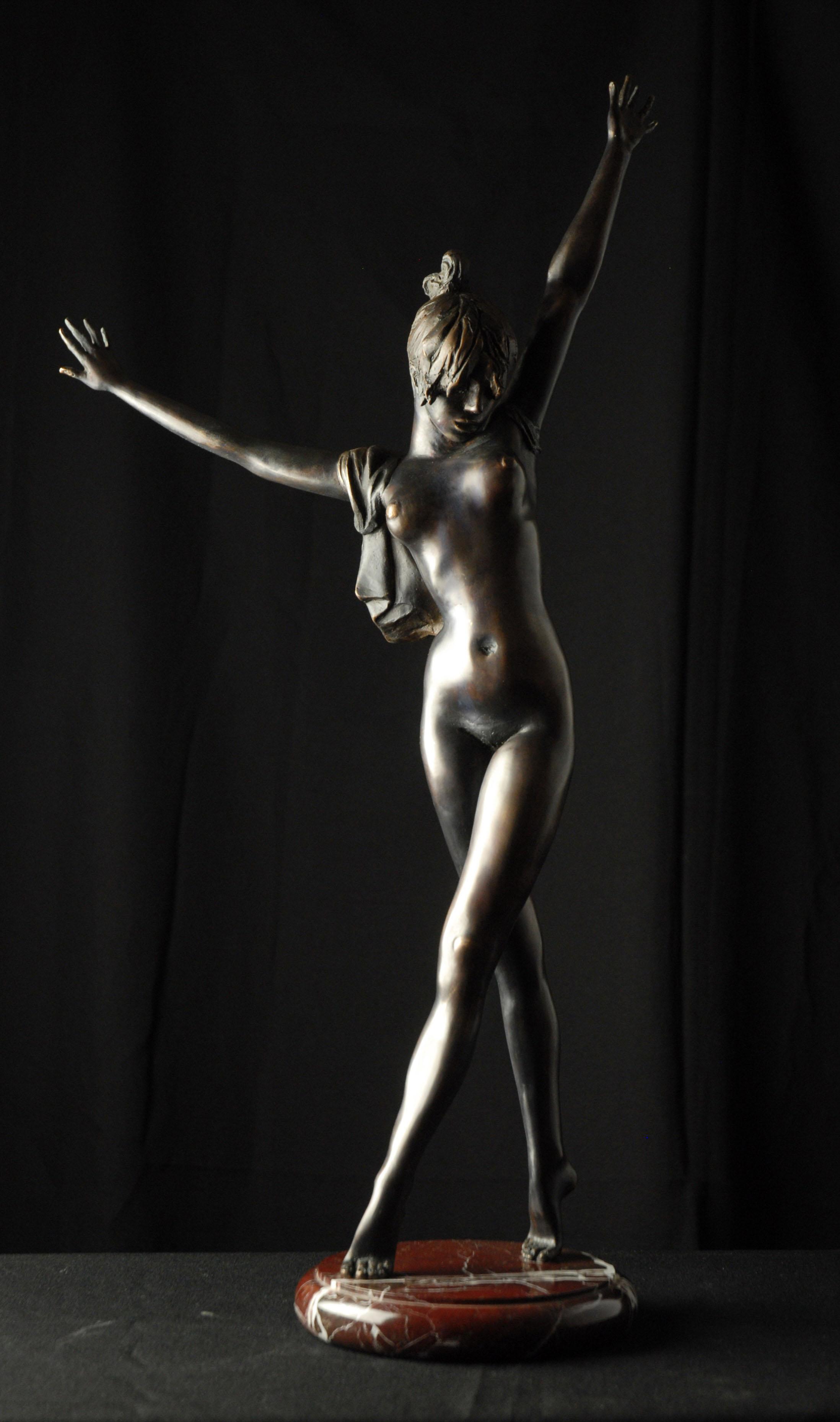 Серафим Чаркин, «Танцовщица», бронза, 2001 год.